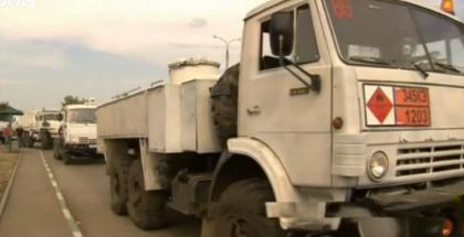 Russia Semi Invades Ukraine with Convoy, Then Leaves