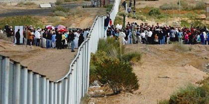 Obama Releases 220 Illegal Alien Kids PER DAY As Border Crisis Escalates